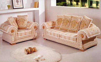 Lie fallow sofa in living room