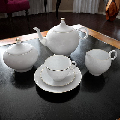White porcelain dinnerware (including maps)