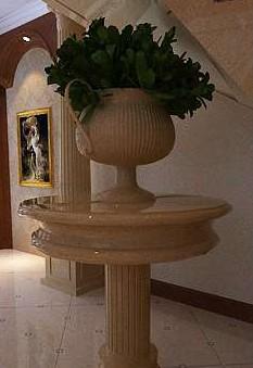 Hall flowerpot