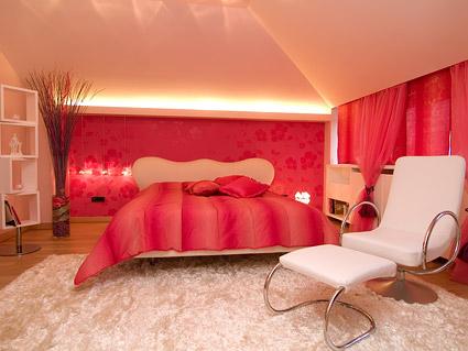 赤のトーンの部屋写真素材