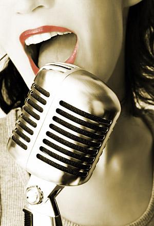 歌手のおすすめ画像の素材を記録音します。