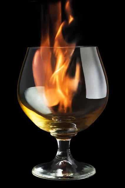 Wein in der Flamme-Bildmaterial