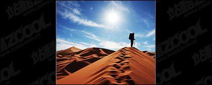 砂漠を歩く