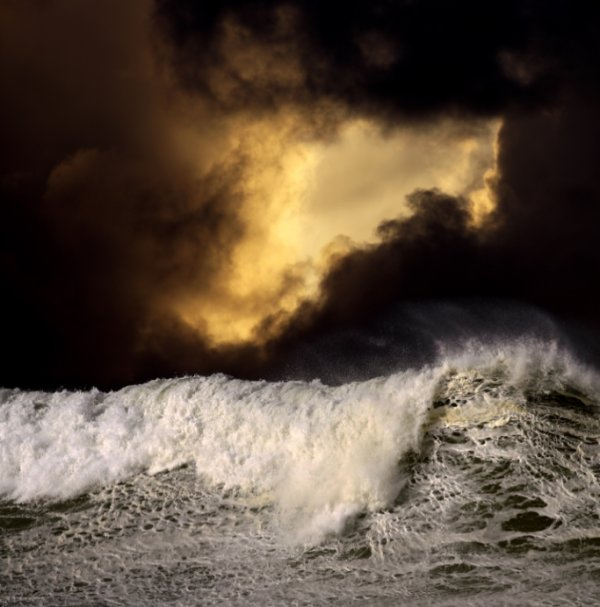 Волны темное небо высокой четкости изображения